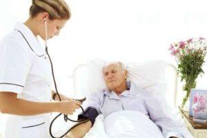 мереет давление лежачему больному