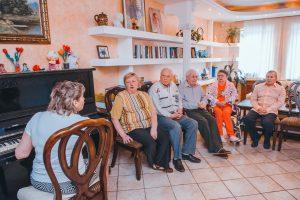Жизнь пожилых в доме престарелых