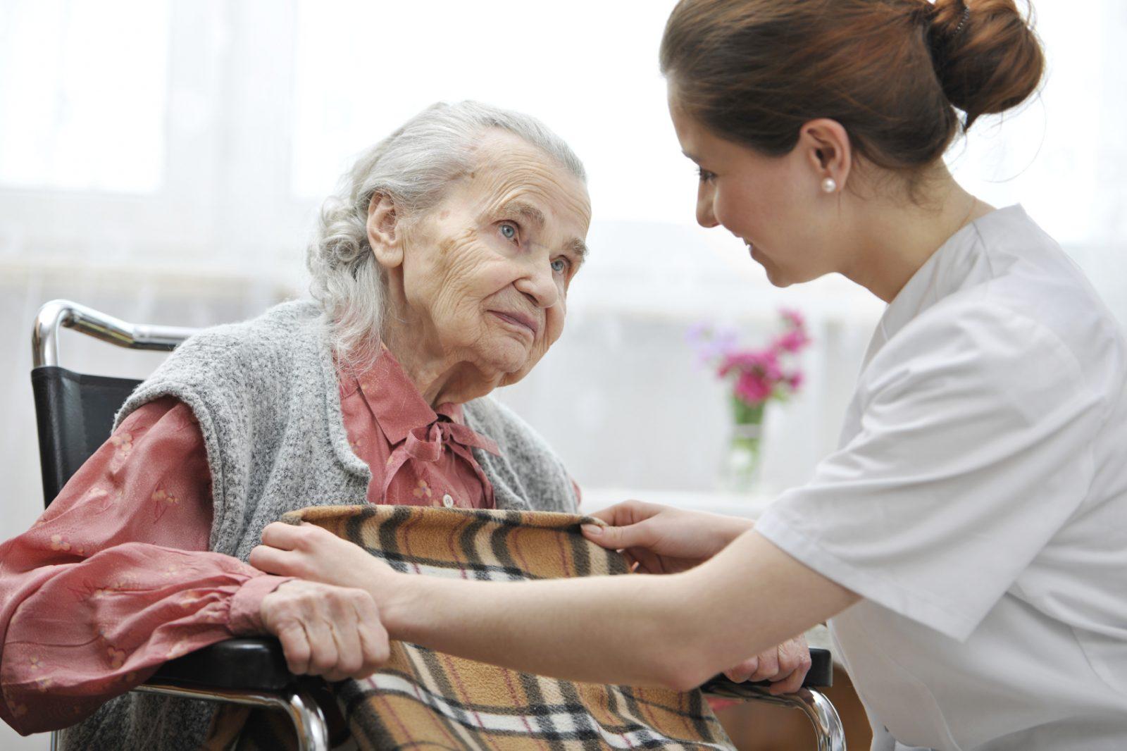 причины размещения в дом престарелых