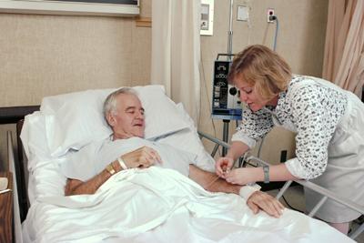 сиделка лежачему пенсионеру