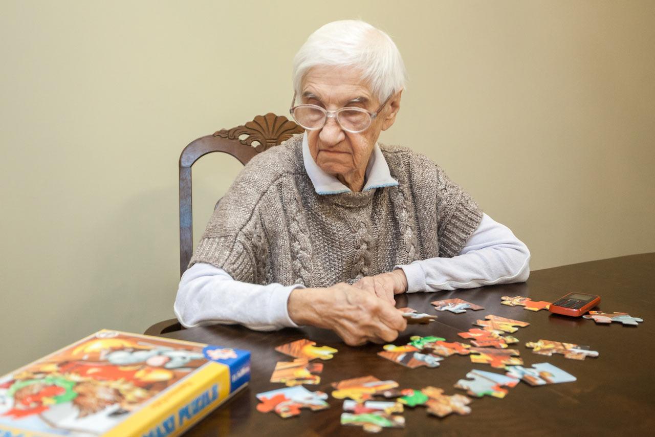 активность старушки при деменции